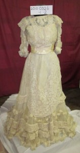 Molesworth Family Wedding Dress (1906) Image: Gold Museum Collection (2010.0326)