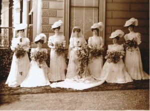 Mrs Frances Molesworth and bridesmaids (1906) Image: Gold Museum Collection
