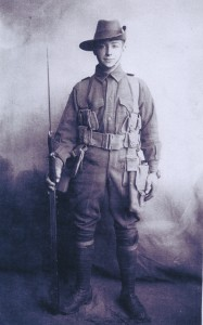 Roy Victor Holloway's enlistment portrait (Image: Gold Museum collection)