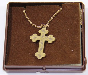 Gold cross owned by Emma Britt (Gold Museum collection, 2016.0071)