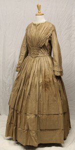 Working woman's day dress, circa 1840s (Gold Museum collection, 80.1294)